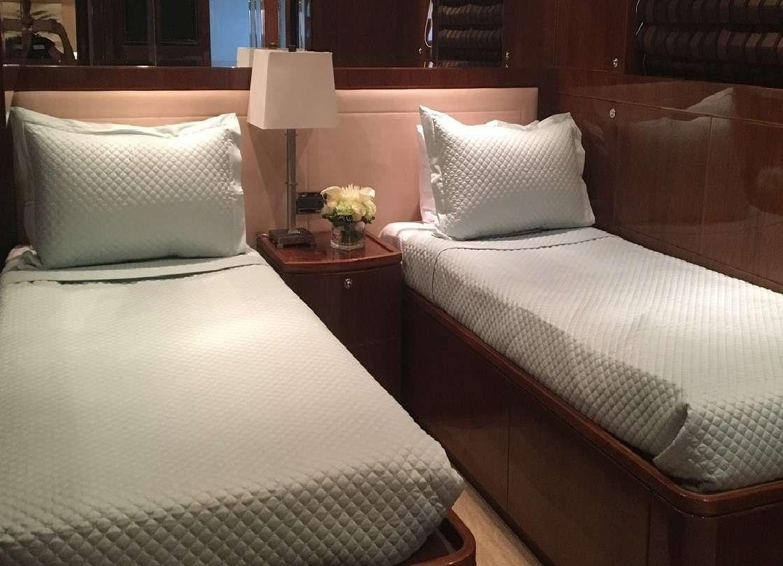 LADY DEENA II Hargrave 101 Luxury Motoryacht Twin Cabin