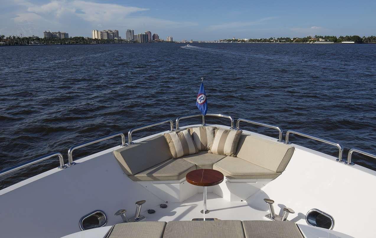 LADY DEENA II Hargrave 101 Luxury Motoryacht Bow
