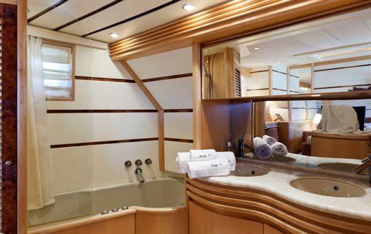 LADY P - Crewed Motor Yacht - Ensuite