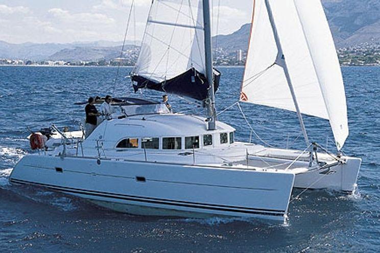 Charter Yacht Lagoon 380 - 4 Cabins - Ibiza