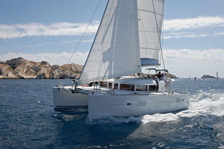 Charter Yacht Winnie