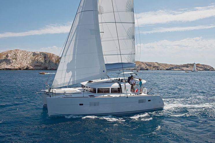 Charter Yacht Lagoon 400 S2 - 5 Cabins - 2016 - Split