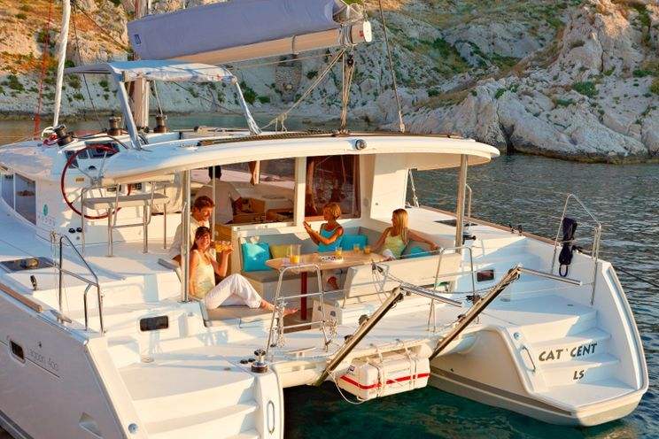 Charter Yacht Lagoon 400 S2 - 2017 - 4+2 Cabins - Athens