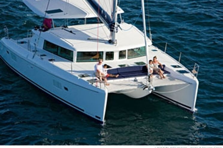 Charter Yacht Lagoon 420 - 4 Cabins - Ft Lauderdale