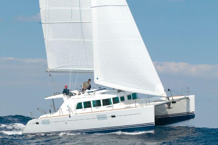 Charter Yacht MANUTEA