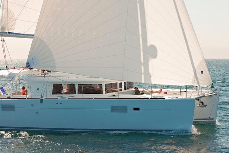 Charter Yacht Lagoon 450 - 4 + 2 Cabins - Tortola