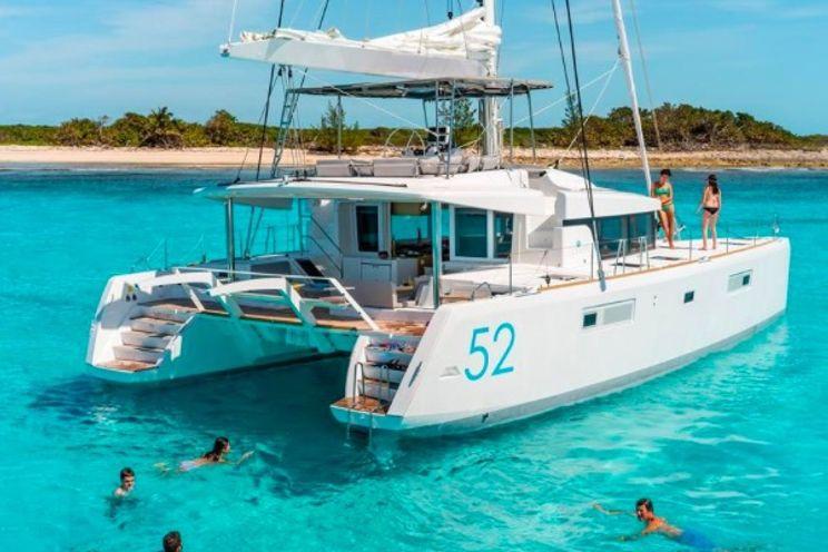 Charter Yacht Lagoon 52 - 6 + 2 Cabins - 2015 - Nassau
