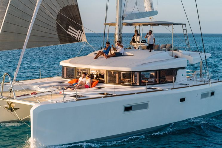 Charter Yacht Lagoon 52 - 2016 - 5+2 Cabins - Skippered Only