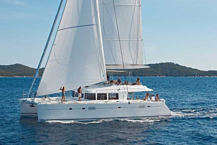 Charter Yacht SENSO - Lagoon 560 - 4 Cabins - Tahiti, Bora Bora, South Pacific