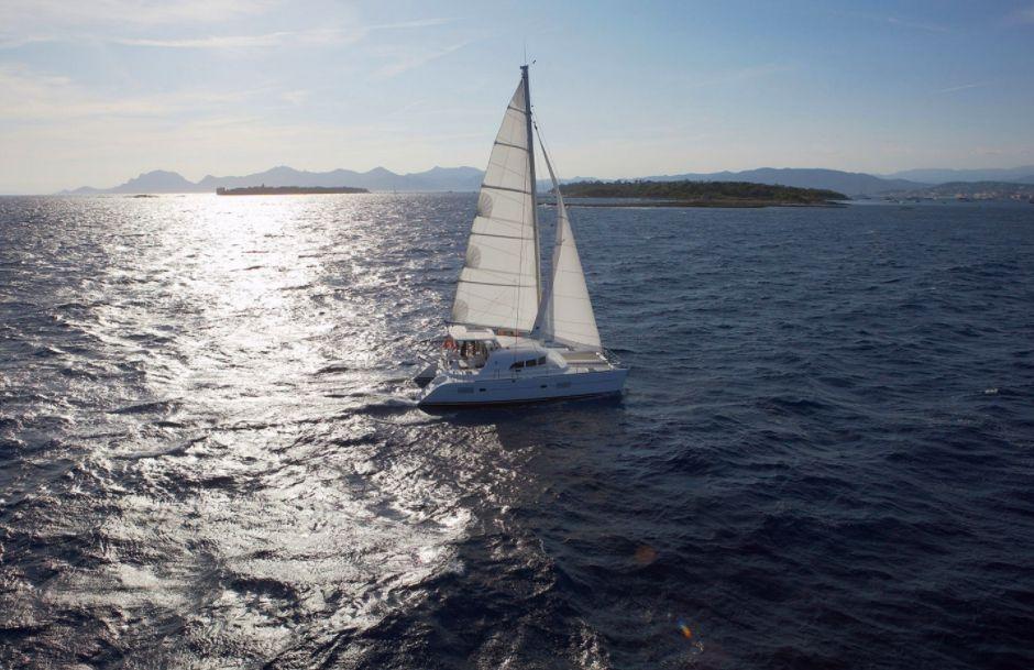 Lagoon 380 (2018) - At Sail