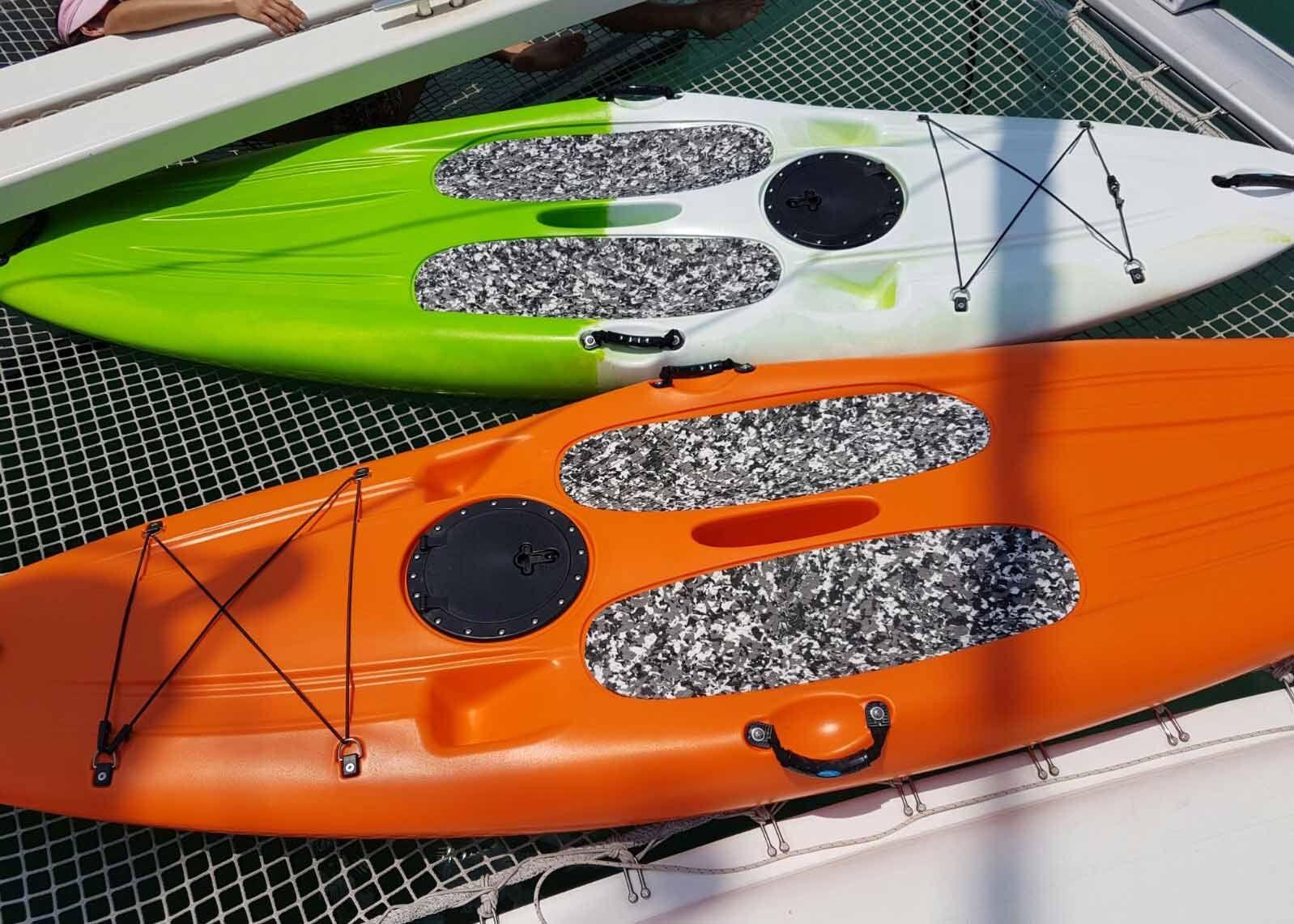 Lagoon 400 - Kayak