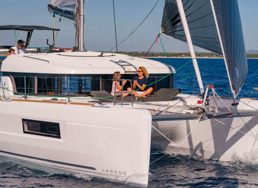 Lagoon 40 - Under sail