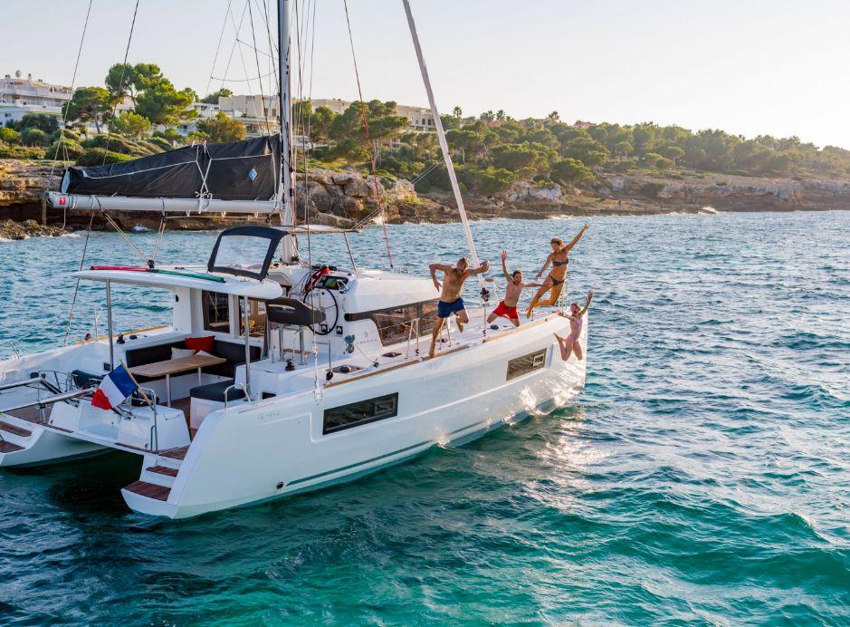 Lagoon 40 - Sailing