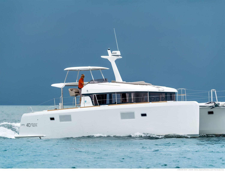 Lagoon 40 Power Catamaran - 3 cabins (3 double) - 2015 - Nassau - Staniel Cay