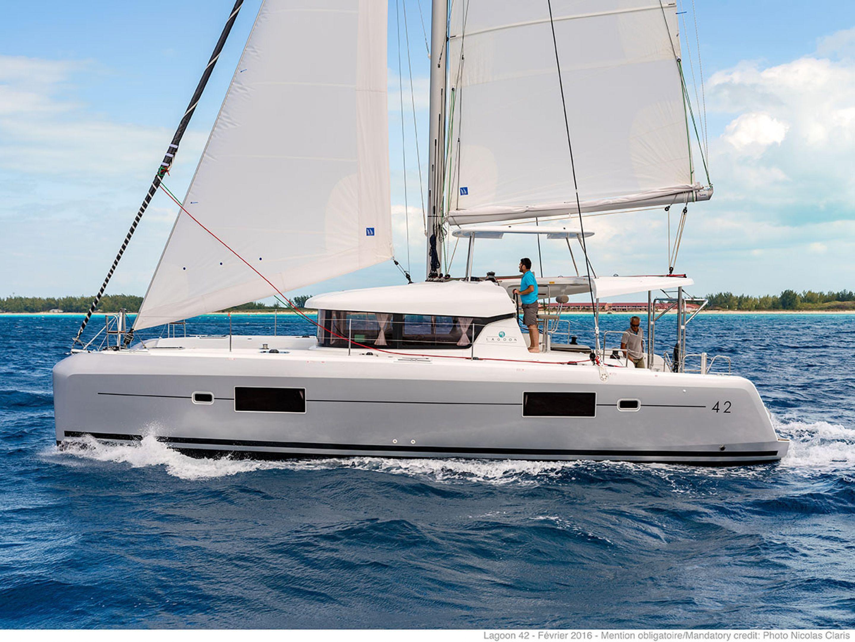 Lagoon 42 - 4 + 2 cabins(4 double 2 single)- 2020 - Athens - Mykonos - Kos - Paros