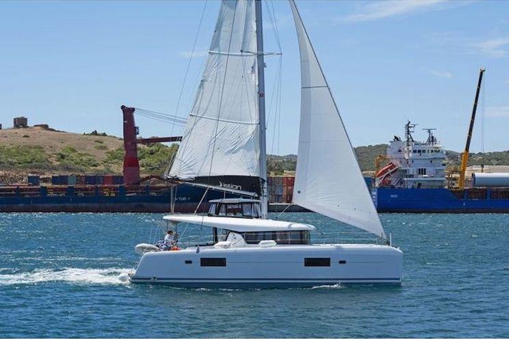 Charter Yacht Lagoon 42 - 2020 -  6 cabins(4 double + 2 forepeak)- Paros - Mykonos