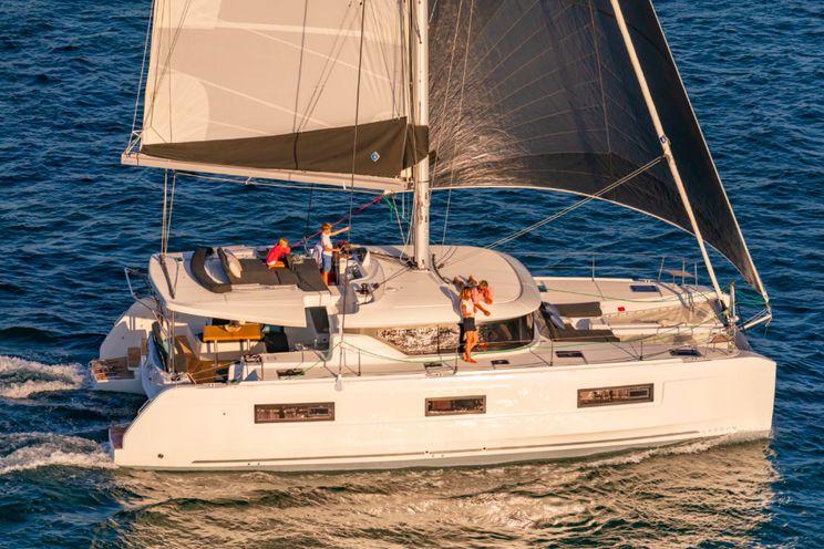 Charter Yacht Lagoon 46 - 3 Cabins - Tahiti - Bora Bora -South Pacific