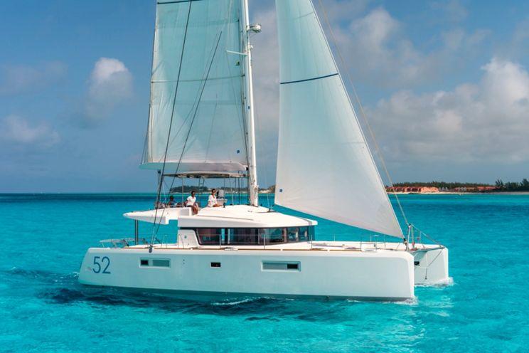 Charter Yacht Lagoon 52 F with Watermaker&A/C - 6 + 2 cabins - 2019 - Tahiti - Raiatea - Huahine - Rangiroa