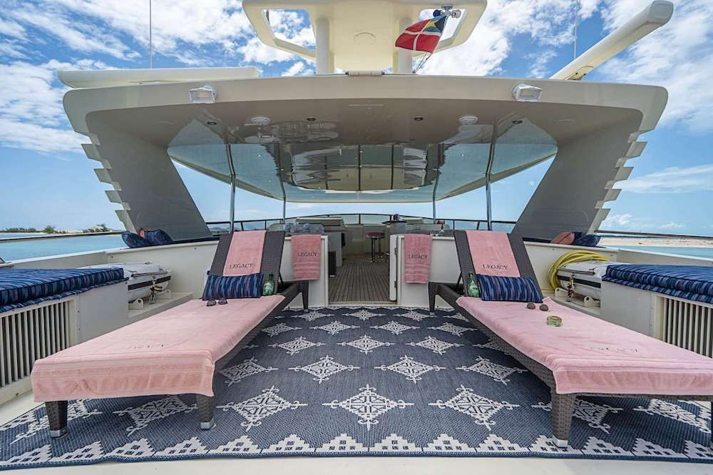 LEGACY Motor Yacht Fly
