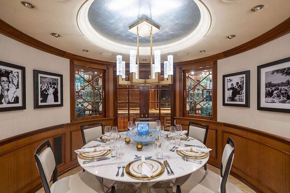 LEGACY Motor Yacht Dining