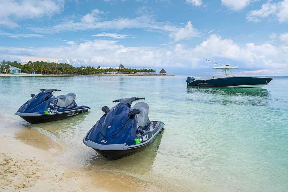LEGACY Motor Yacht Toys