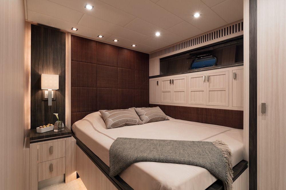 Leopard 34m Motor Yacht Double Cabin