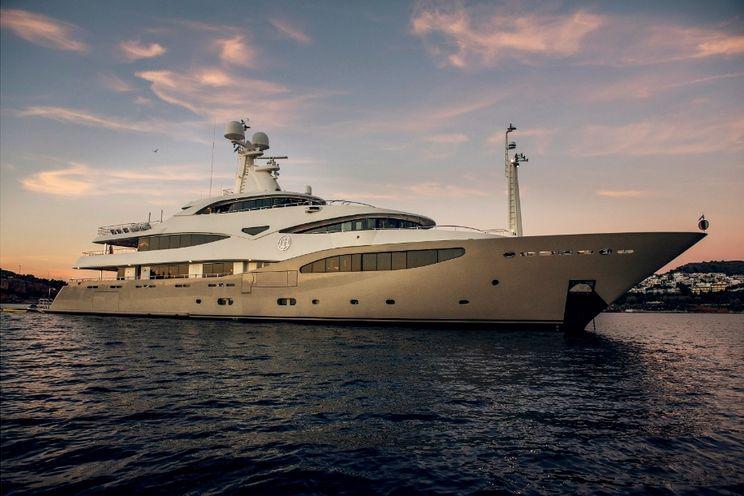 Charter Yacht LIGHT HOLIC - CRN Ancona 60m - 6 Cabins - Cannes - Monaco - Split - Dubrovnik - Bodrum