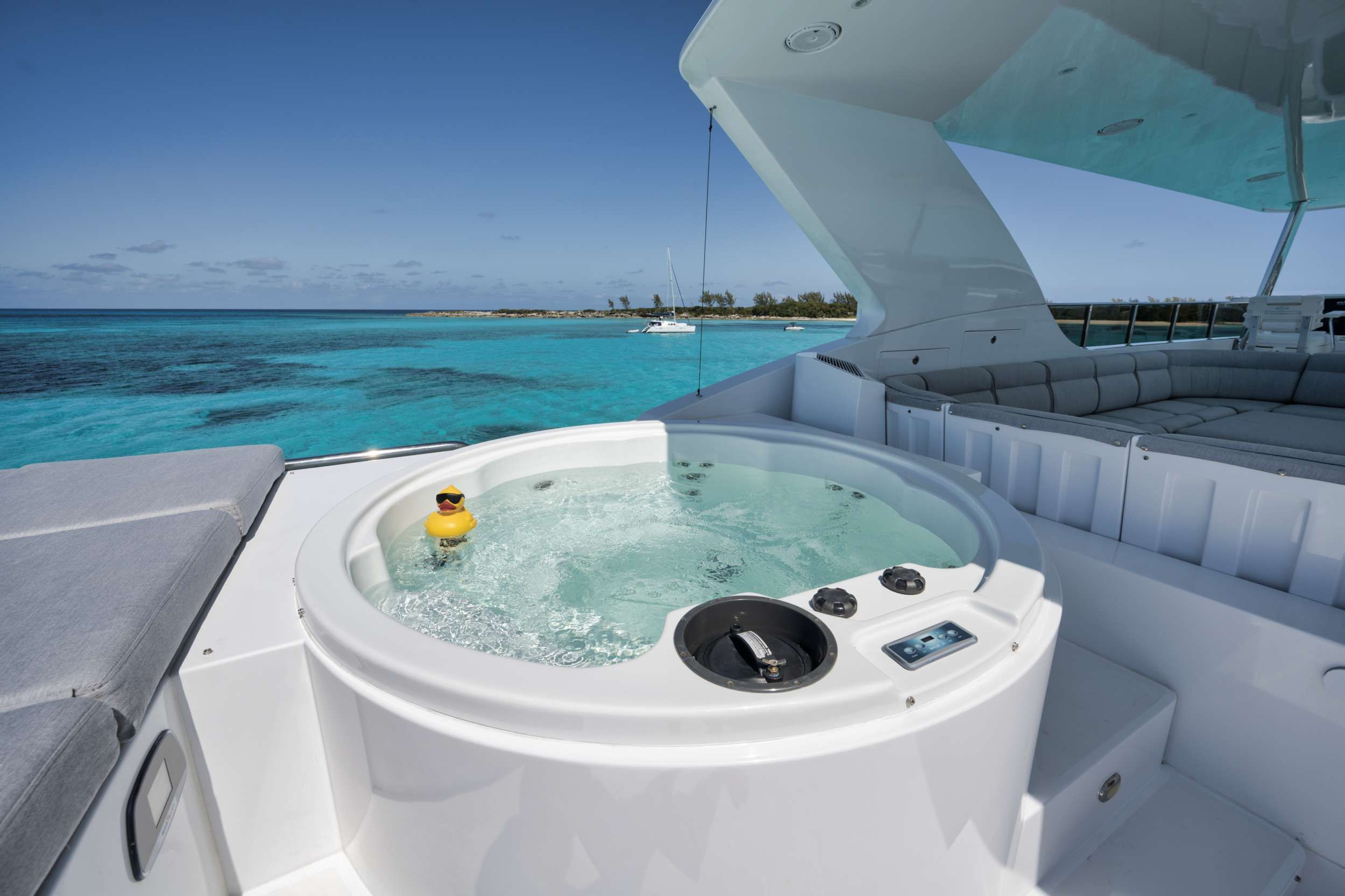 LIMITLESS Crewed Motor Yacht Jacuzzi