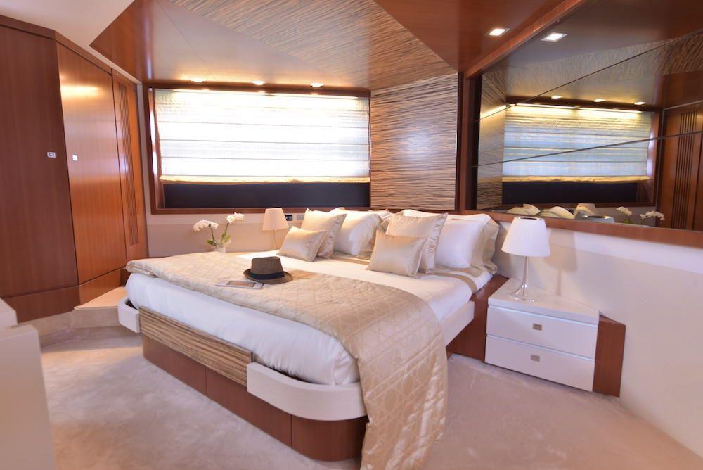 LITTLE ONE - Baia Italia 70 - Master Cabin