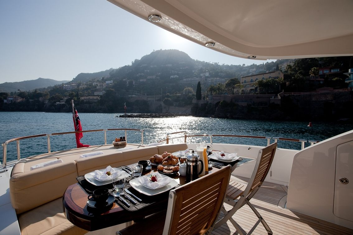 LIZZI Lazzara 75 Luxury Motoryacht Al Fresco