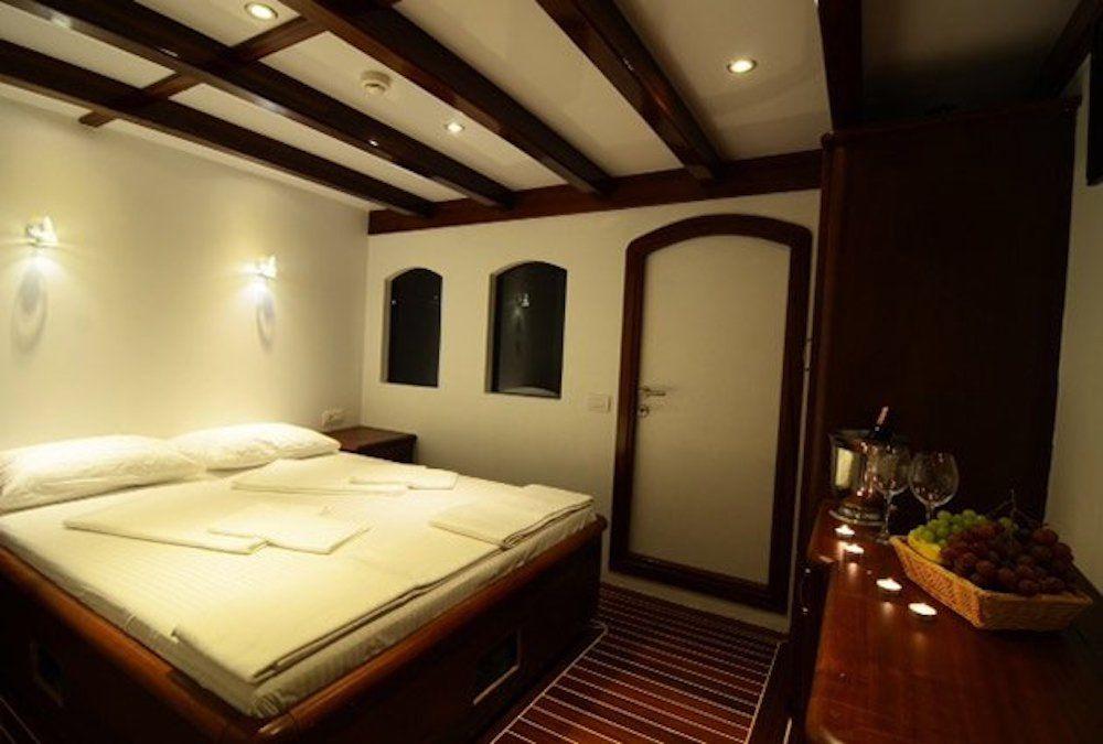Gulet Love Boat Cabin