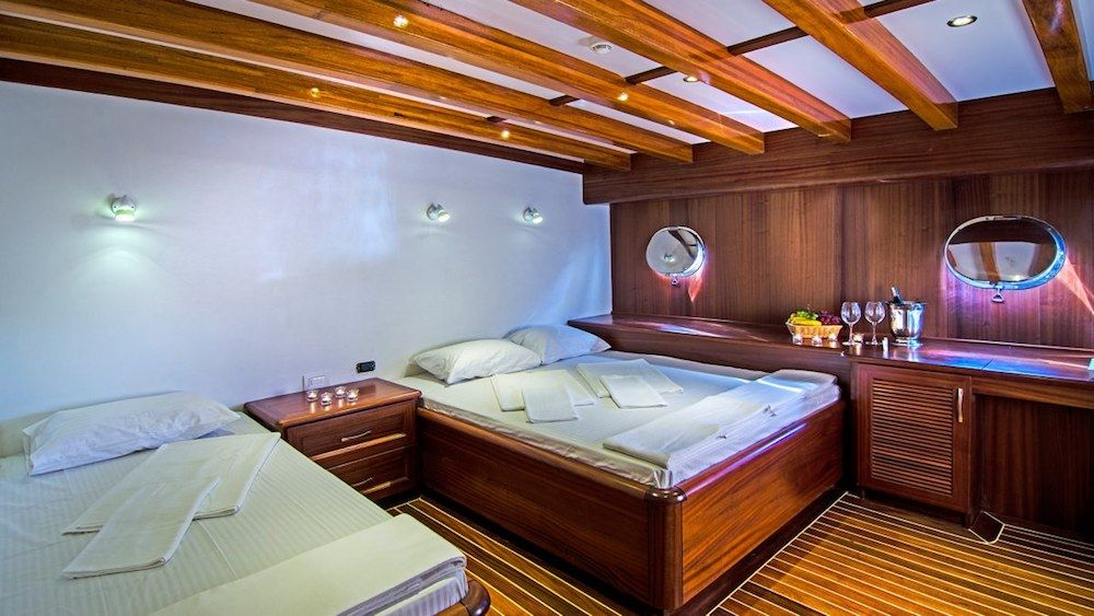 Gulet Love Boat Twin Cabin