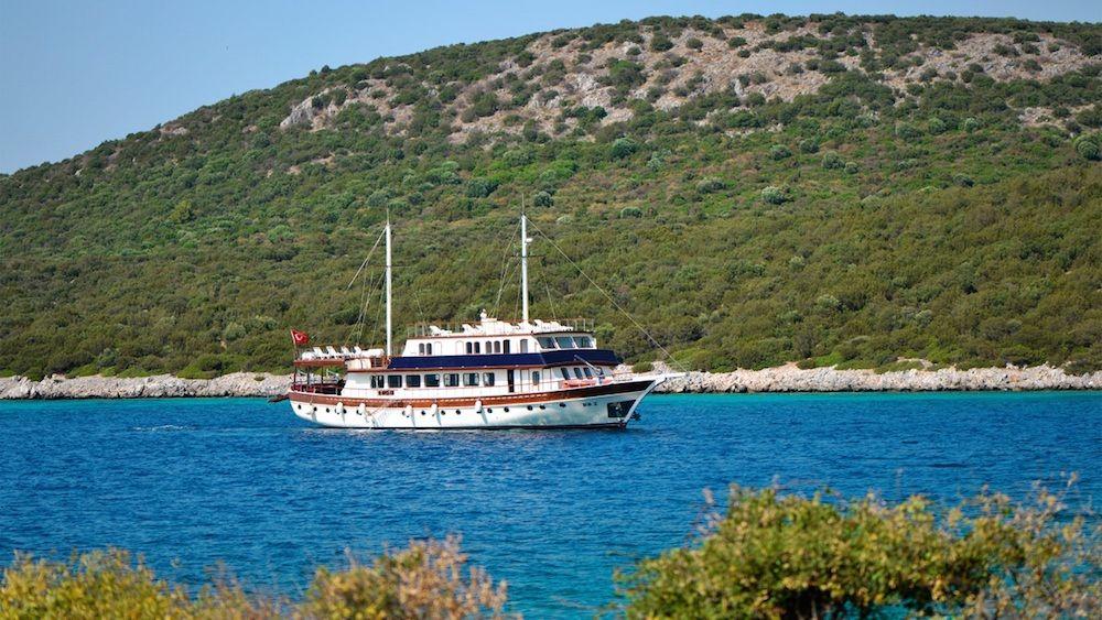 Gulet Love Boat Cruising