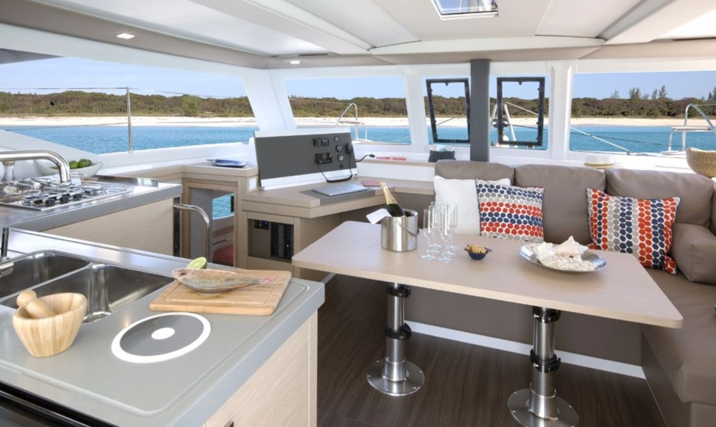 Lucia 40 Galley