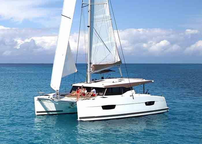 Lucia 40 - Sailing