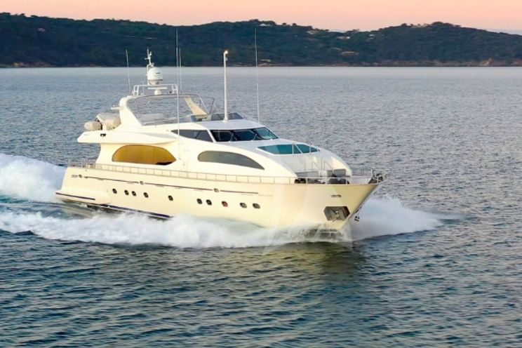 Charter Yacht LUISAMAY - Falcon 102 - 5 Cabins - Cannes - St Tropez - Monaco - Antibes