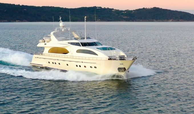 LUISAMAY - Falcon 102 - 5 Cabins - Cannes - St Tropez - Monaco - Antibes
