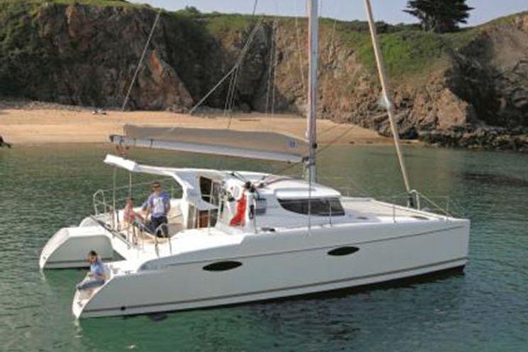 Charter Yacht Mahe 36 Classic - 2-3 Cabins - Tahiti, Bora Bora, South Pacific
