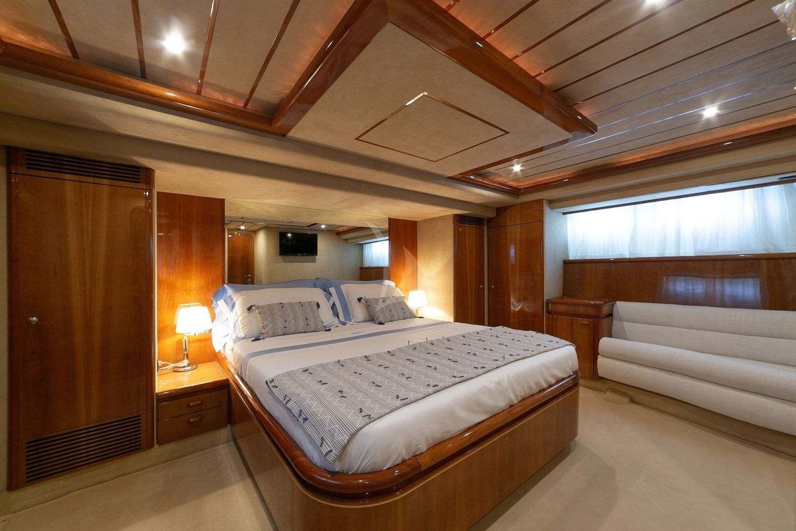 MAITE Ferretti 72 Cabin