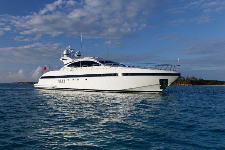 Charter Yacht EVA - Mangusta 92 - 4 cabins(2 queen,1 king,1 double)- 2007 - Miami,Nassau