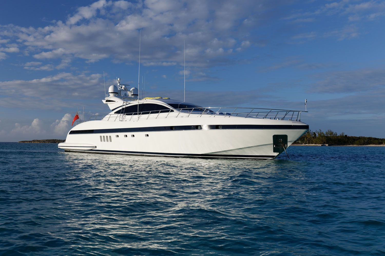 EVA - Mangusta 92 - 4 cabins (2 queen, 1 king, 1 double) - 2007 - Miami, Nassau