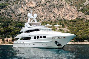 MANIFIQ - Mondomarine 40m - 5 Cabins - Monaco - Cannes - St Tropez - Porto Cervo - Naples