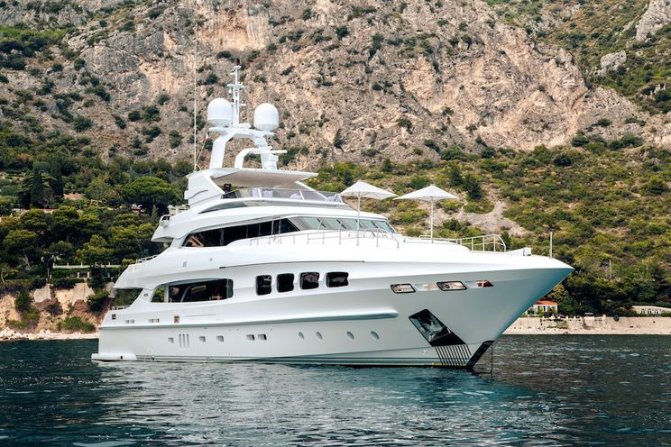 Charter Yacht MANIFIQ - Mondomarine 40m - 5 Cabins - Monaco - Cannes - St Tropez - Porto Cervo - Naples
