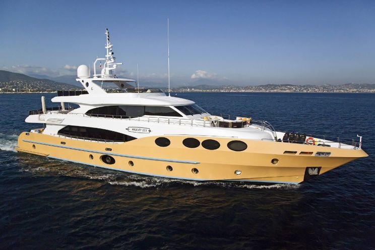 Charter Yacht MARINA WONDER - Gulf Craft Majesty 125 - 5 Cabins - French Rivera - Monaco - Cannes - St Tropez