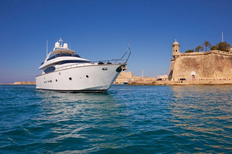 Charter Yacht MEME - Maiora 24 - 4 Cabins - French Riviera - Italian Riviera - Monaco - Corsica - Sardinia - Sicily