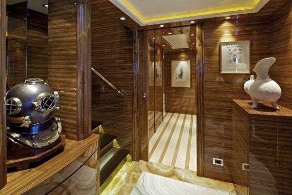 MIA RAMA Golden Yachts 176 Hallway