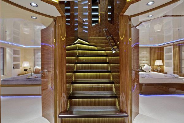 MIA RAMA Golden Yachts 176 Stairway