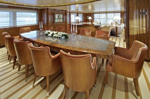 MIA RAMA Golden Yachts 176 Dining
