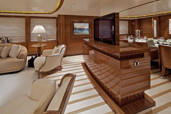 MIA RAMA Golden Yachts 176 Salon TV