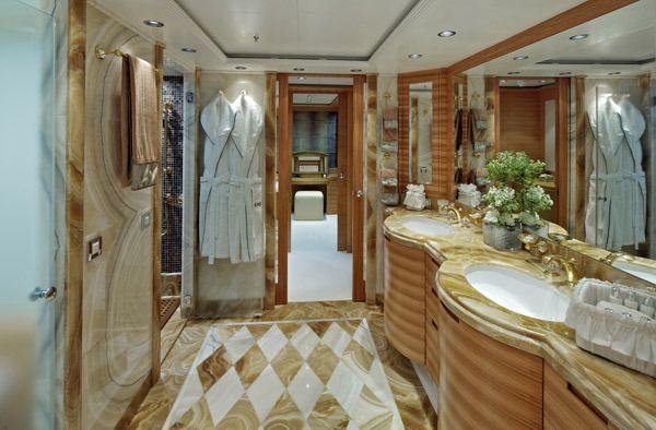 MIA RAMA Golden Yachts 176 Master En Suite